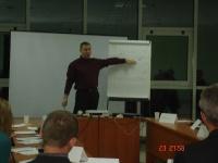 «Круглый стол»  23 октября 2013 г. Тема для обсуждения:  Как подобрать и удержать нужных сотрудников